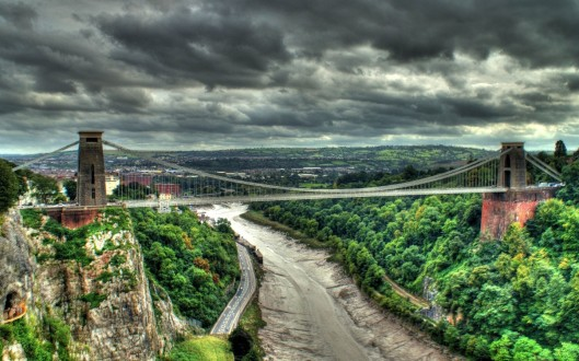Bristol-Clifton-Suspension-Bridge-United-Kingdom-900x1440
