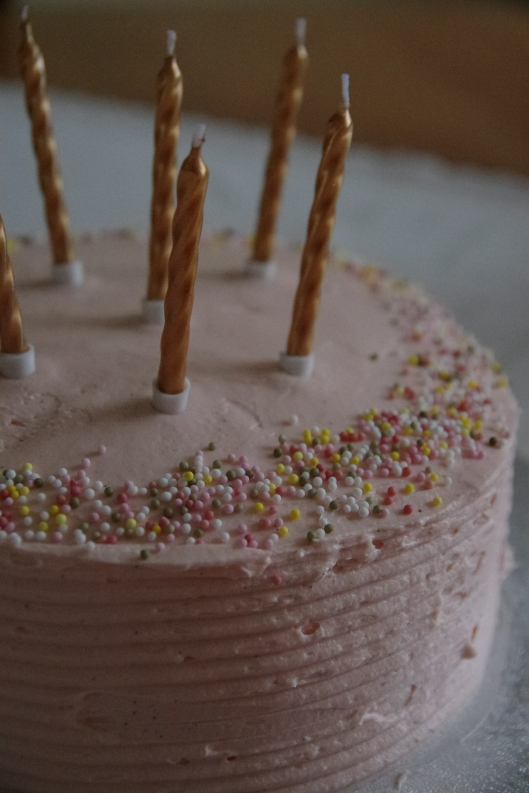...but I enjoy making other people cakes. This is my mum's birthday cake I made recently.